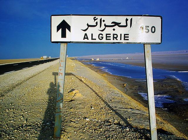 Arabisch in Algerien Schild