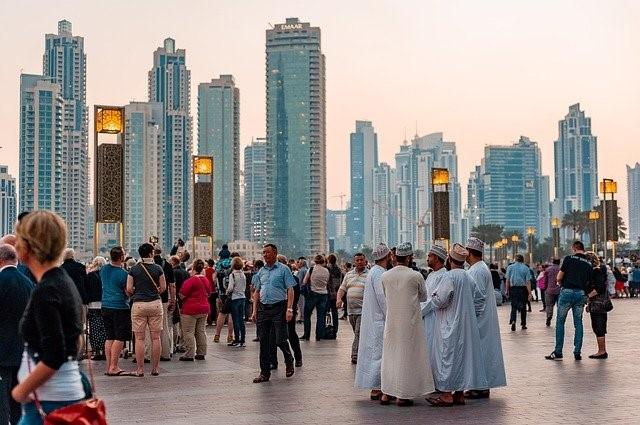 Menschen in Dubai Arabisch